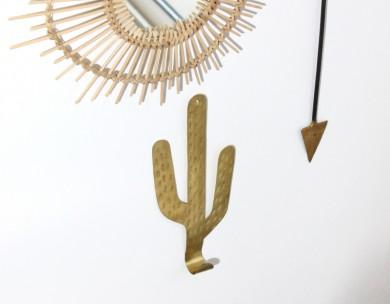 Patère cactus laiton mural martelé