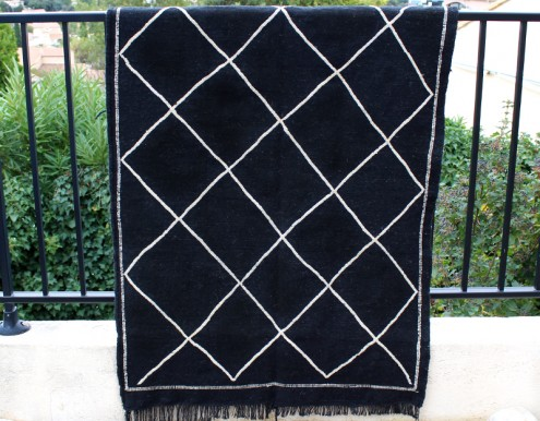 Tapis artisanal berbère Kilim noir laine