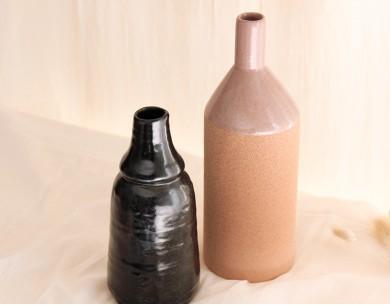 Vase bouteille émaillé noir - Madam Stoltz